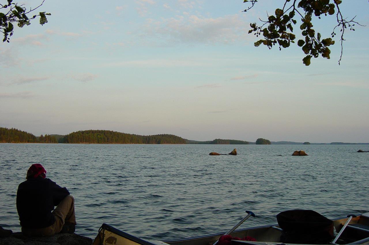 04 Genieten van de weidsheid van de Zweedse meren (Bas Wetter)