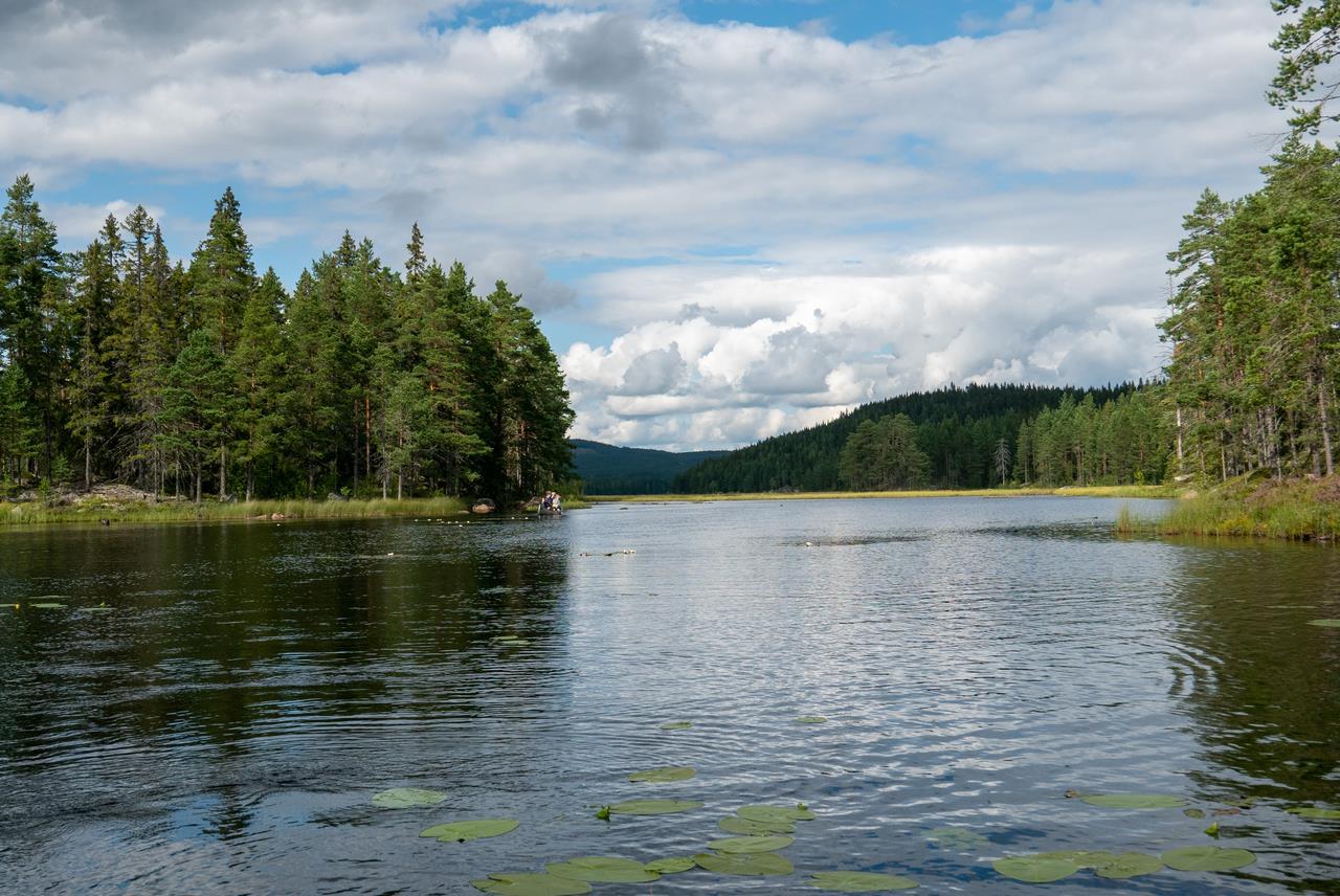 Een van de laatste meren waar we op kanoën (Bas Wetter)