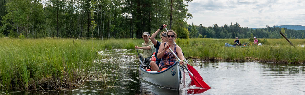 Kano dit jaar mee naar Zweden en Noorwegen en maak een prachtige trektocht over rivieren en meren (Bas Wetter)