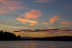 We genieten in Zweden van het goede weer en mooie zonsondergangen (Bas Wetter)